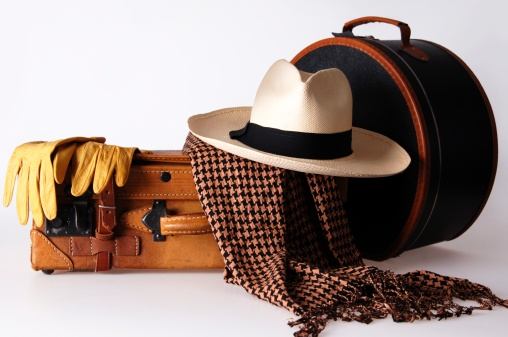 Suitcase「Luggage with hat box and panama hat」:スマホ壁紙(16)