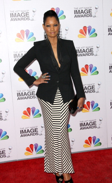 Striped Skirt「43rd NAACP Image Awards - Arrivals」:写真・画像(14)[壁紙.com]