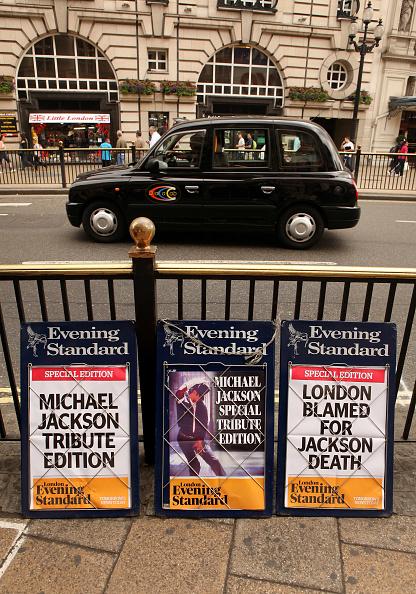 Evening Standard「The World Mourns The Death Of Michael Jackson」:写真・画像(19)[壁紙.com]