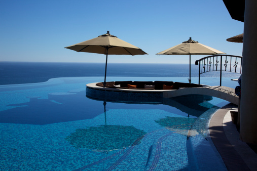 Resort「Infinity Pool at Luxury Resort」:スマホ壁紙(10)