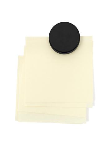 Magnet「Stacked Adhesive Notes」:スマホ壁紙(3)