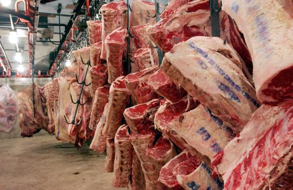 Beef「Beef Hangs In A New York City Meat Vault」:写真・画像(3)[壁紙.com]