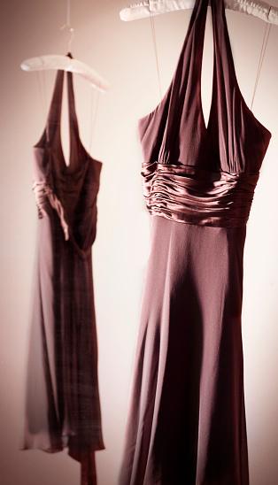 Halter Top「Brown Dress Reflection」:スマホ壁紙(5)