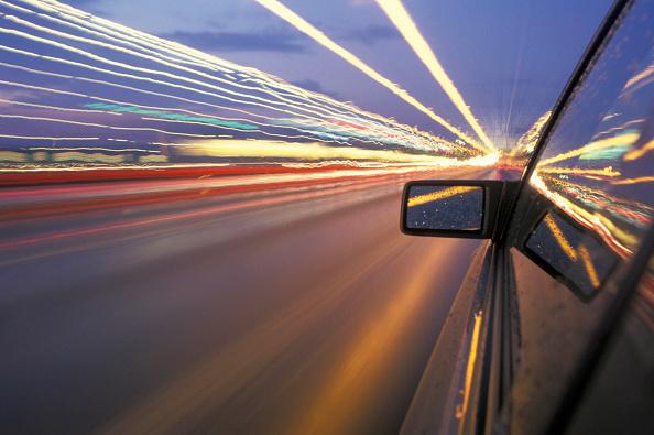Speed「Car on highway.」:写真・画像(5)[壁紙.com]