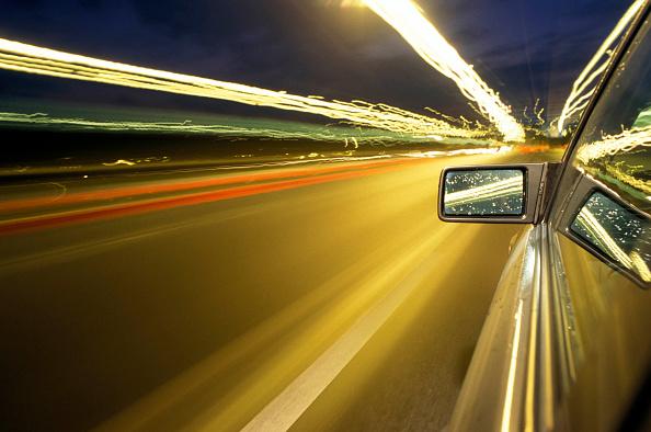 Dawn「Car on Highway」:写真・画像(2)[壁紙.com]
