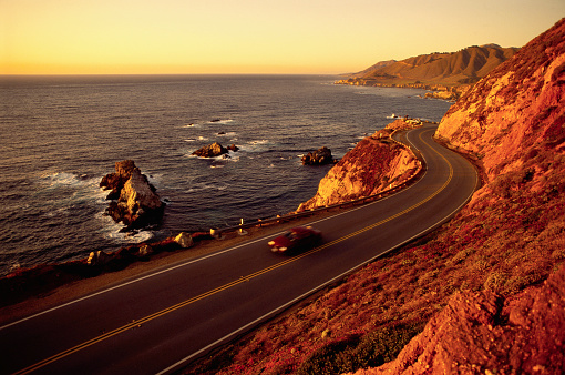 California State Route 1「Car on Highway 1」:スマホ壁紙(2)