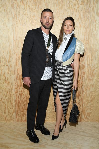 Monogram「Louis Vuitton : Front Row - Paris Fashion Week - Womenswear Spring Summer 2020」:写真・画像(16)[壁紙.com]