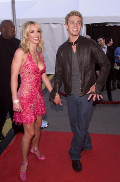 到着「Justin Timberlake & Britney Spears at AMA」:写真・画像(5)[壁紙.com]