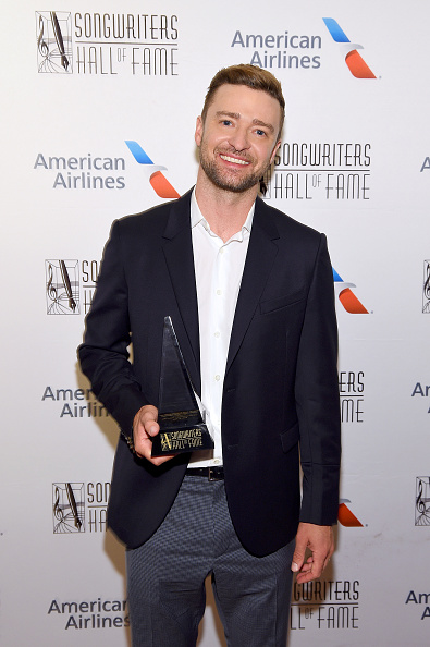 Songwriter「Songwriters Hall Of Fame 50th Annual Induction And Awards Dinner - Backstage」:写真・画像(4)[壁紙.com]