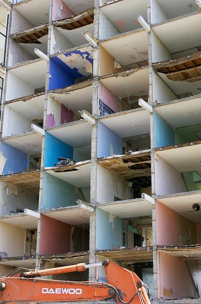 Deterioration「Demolition of the Elmington Council Estate, part of the Peckham regeneration program, Southwark, South London. UK」:写真・画像(13)[壁紙.com]
