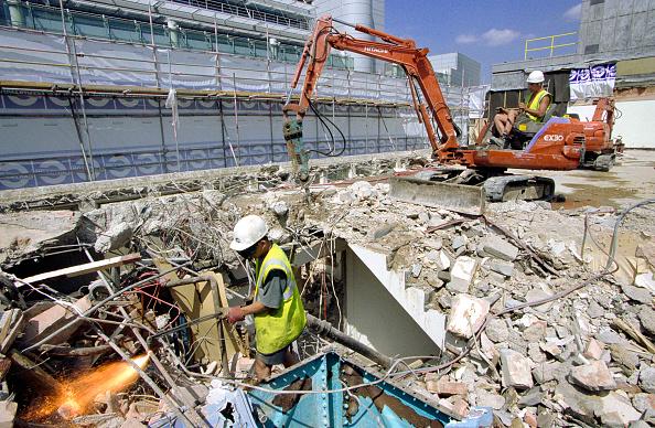 Dust「Demolition of a building, City of London」:写真・画像(14)[壁紙.com]