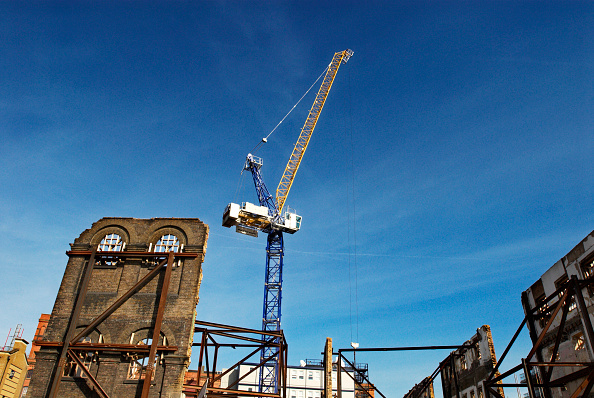 Sunny「Demolition of Victorian factory building keeping the facades intact for redevelopment, Camden, North London, UK」:写真・画像(17)[壁紙.com]