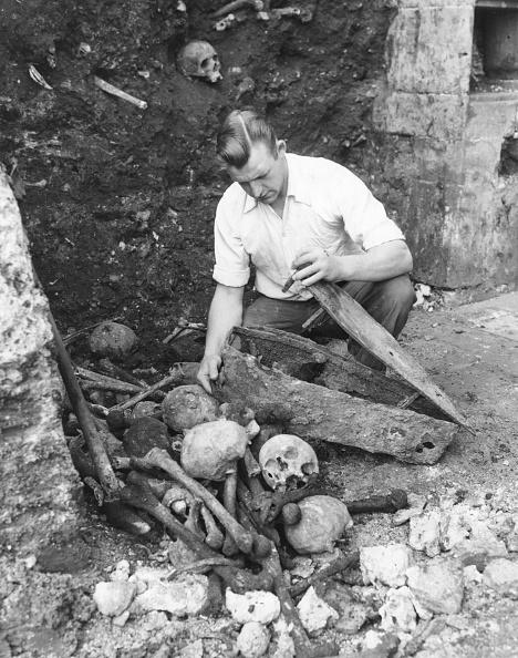 20th Century「Plague Victims」:写真・画像(2)[壁紙.com]