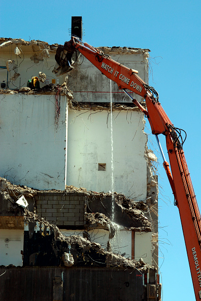 Danger「Demolition of the former Greenwich District Hospital, Trafalgar Rd, East Greenwich, London. June 2006.  The former hospital was purchased by English Partnerships from the Queen Elizabeth Hospital NHS Trust in 2004 for redevelopment.」:写真・画像(3)[壁紙.com]