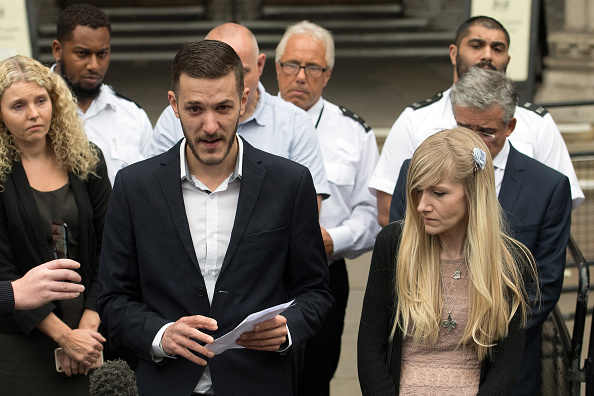 Decisions「Parents Of Charlie Gard End Their Legal Fight Over Son's Treatment」:写真・画像(1)[壁紙.com]