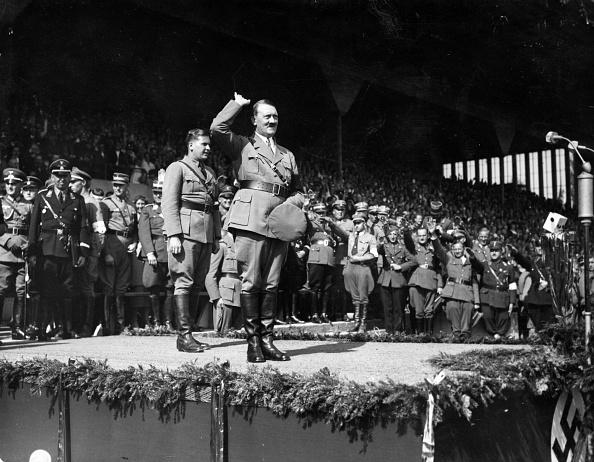 Crowd「Hitler At Nuremberg」:写真・画像(0)[壁紙.com]