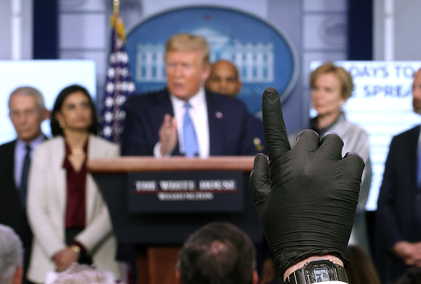 Journalist「Coronavirus Task Force Briefs Press At White House」:写真・画像(10)[壁紙.com]