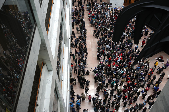 Furlough「Federal Workers Stage Protest At U.S. Capitol」:写真・画像(1)[壁紙.com]