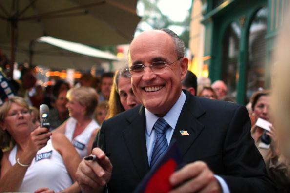 Naples - Florida「Giuliani Continues Flordia Campaigning」:写真・画像(0)[壁紙.com]