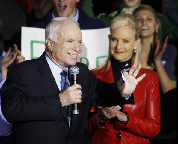 Support「McCain Holds Rally In Milwaukee On Primary Day」:写真・画像(4)[壁紙.com]