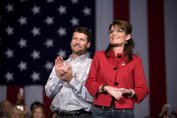 Husband「Palin Campaigns In Iowa Day One Before Election」:写真・画像(16)[壁紙.com]