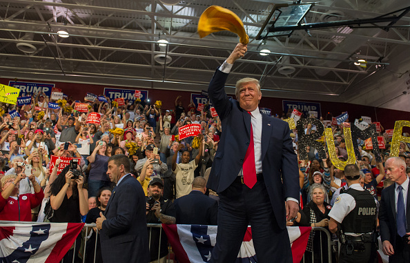 Occupation「Donald Trump Campaigns In PA After Presidential Debate」:写真・画像(13)[壁紙.com]