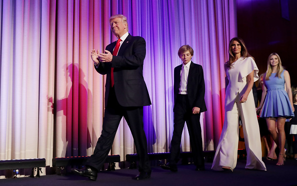 全身「Republican Presidential Nominee Donald Trump Holds Election Night Event In New York City」:写真・画像(12)[壁紙.com]