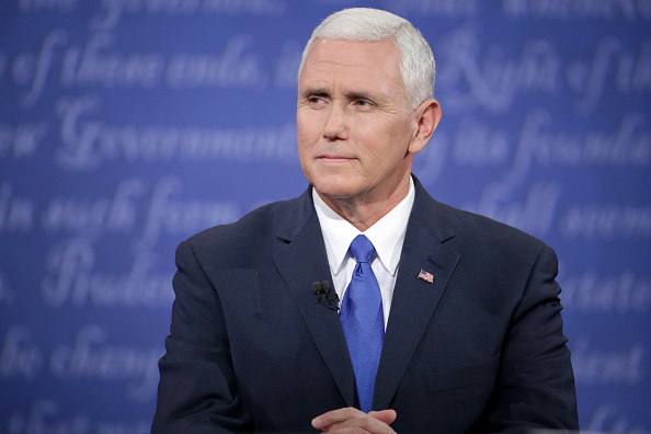 Discussion「Vice Presidential Debate Between Gov. Mike Pence And Sen. Tim Kaine」:写真・画像(16)[壁紙.com]