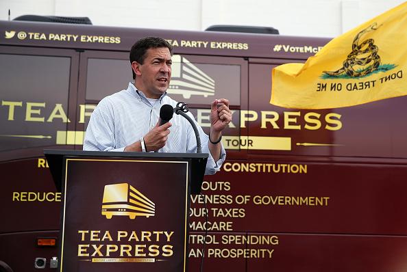 Hobby Lobby「Senate Incumbent Thad Cochran Faces Challenge From Tea Party-Backed State Sen. Chris McDaniel」:写真・画像(11)[壁紙.com]