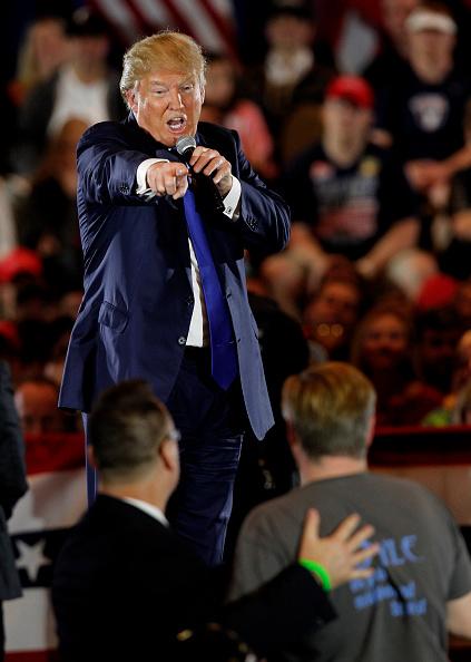 Super Tuesday「Donald Trump Holds Campaign Rally in Cincinnati Ahead Of Ohio Primary」:写真・画像(18)[壁紙.com]