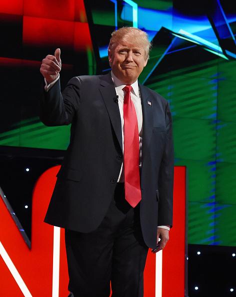 笑顔「GOP Presidential Candidates Debate In Las Vegas」:写真・画像(17)[壁紙.com]