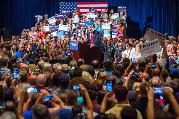 People「Donald Trump Gives Address On Immigration In Phoenix」:写真・画像(8)[壁紙.com]