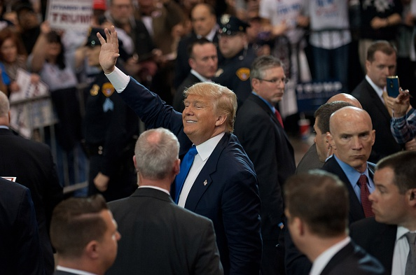 US Republican Party 2016 Presidential Candidate「GOP Candidate Presidential Donald Trump Holds Rally In Cleveland」:写真・画像(9)[壁紙.com]