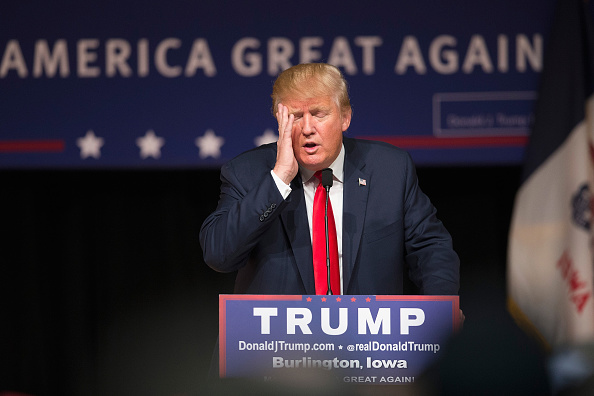 2016「GOP Presidential Candidate Donald Trump Campaigns In Iowa」:写真・画像(15)[壁紙.com]