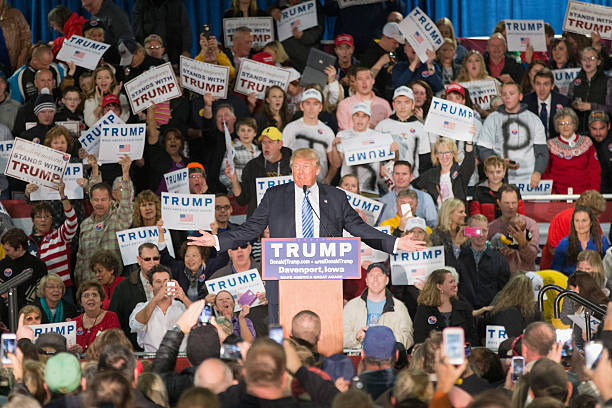 Donald Trump Holds Campaign Rally In Davenport, Iowa:ニュース(壁紙.com)
