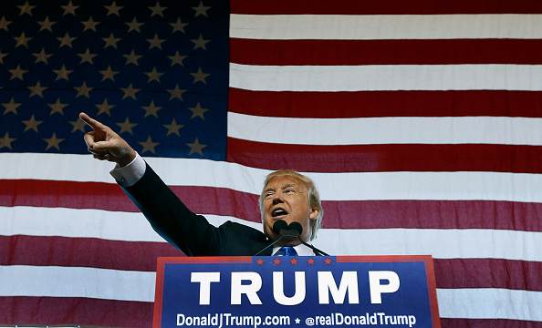 Political Rally「Republican Presidential Candidate Donald Trump Holds Rally In Mesa, Arizona」:写真・画像(19)[壁紙.com]
