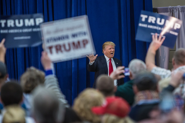 US Republican Party 2016 Presidential Candidate「Donald Trump Holds Final Iowa Campaign Rallies On Day Of Caucuses」:写真・画像(3)[壁紙.com]