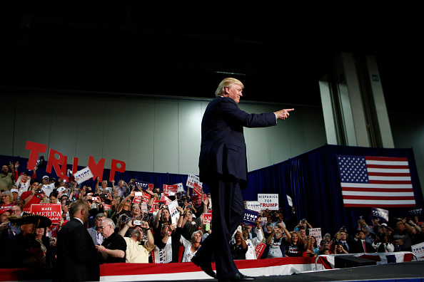 US Republican Party 2016 Presidential Candidate「GOP Presidential Nominee Donald Trump Campaigns In Charlotte, North Carolina」:写真・画像(9)[壁紙.com]
