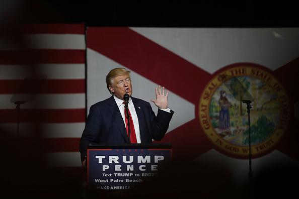 West Palm Beach「Trump Holds Campaign Event In West Palm Beach, Florida」:写真・画像(17)[壁紙.com]