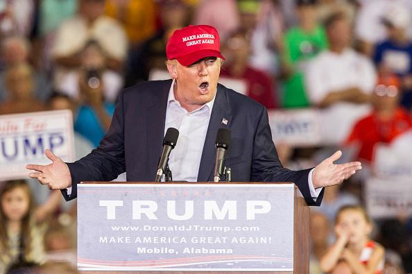 Mark Wallheiser「Donald Trump Holds Campaign Rally In Mobile, Alabama」:写真・画像(19)[壁紙.com]