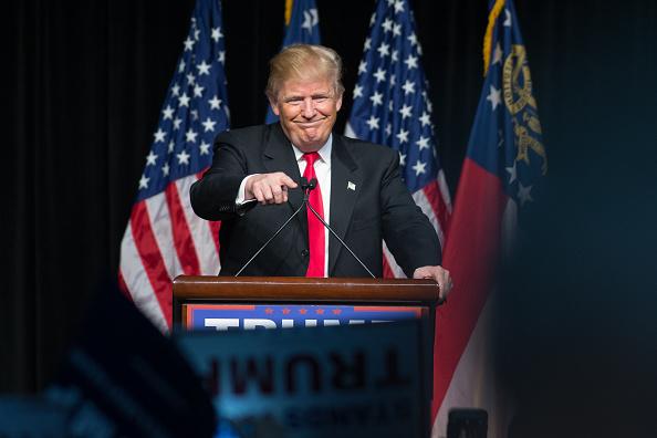 笑顔「GOP Presidential Candidate Donald Trump Holds Rally In Atlanta, Georgia」:写真・画像(5)[壁紙.com]