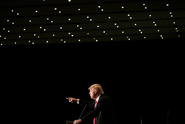 US Republican Party 2016 Presidential Candidate「Donald Trump Holds Final Iowa Campaign Rallies On Day Of Caucuses」:写真・画像(7)[壁紙.com]
