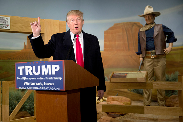 Aaron P「Donald Trump Makes Campaign Swing Through Iowa」:写真・画像(18)[壁紙.com]