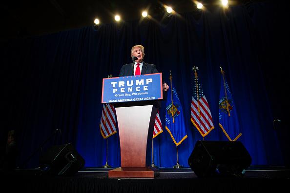 2016年アメリカ大統領選挙「Republican Presidential Candidate Donald Trump Holds Rally In Green Bay, Wisconsin」:写真・画像(19)[壁紙.com]
