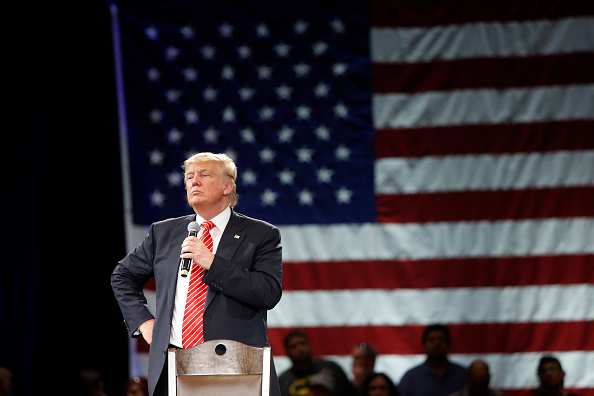 Super Tuesday「Donald Trump Holds Campaign Town Hall In Tampa」:写真・画像(1)[壁紙.com]