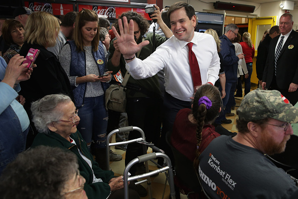 Medium Group Of People「Republican Presidential Candidate Sen. Marco Rubio (R-FL) Campaigns In New Hampshire」:写真・画像(19)[壁紙.com]