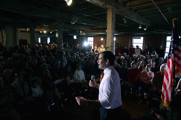 US Republican Party 2016 Presidential Candidate「Republican Presidential Candidate Sen. Marco Rubio (R-FL) Campaigns In New Hampshire」:写真・画像(19)[壁紙.com]