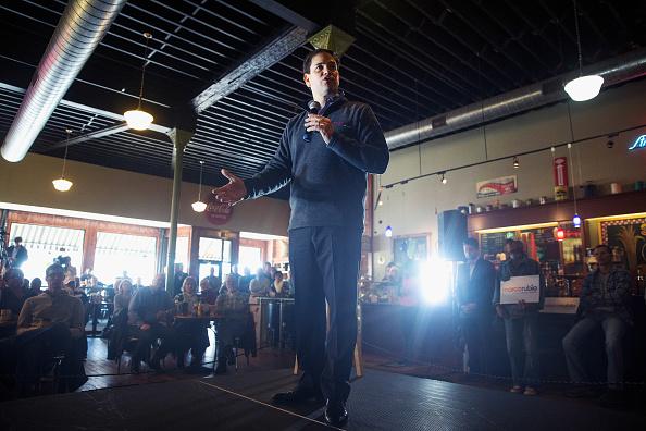 Marco Rubio - Politician「GOP Candidate For President Sen. Marco Rubio Campaigns In Iowa」:写真・画像(19)[壁紙.com]