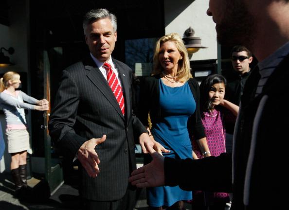 Charleston - South Carolina「Huntsman Stops For Lunch On SC Campaign Trail」:写真・画像(4)[壁紙.com]
