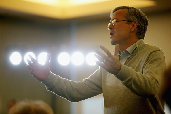 US Republican Party Presidential Candidate「Jeb Bush Campaigns In Sioux City, Iowa」:写真・画像(16)[壁紙.com]